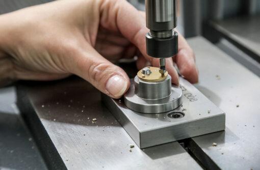 Faivre AG - Werkzeuge - Stanzartikel - Betrieb - Lengnau BE
